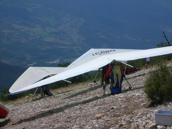 Hang gliding in Laragne, France