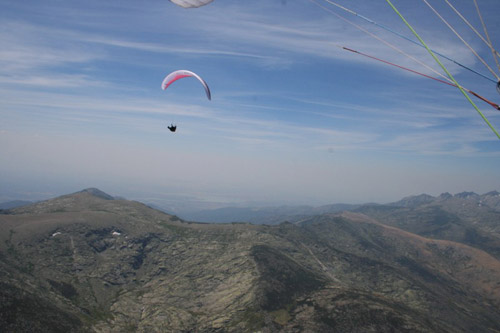 In flight above the Gredos. Photo: Thomas Puthod