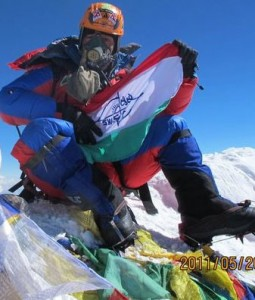Babu Sunuwar on top of the world on 21 May 2011. This is Babu's update Facebook profile pic - nice!