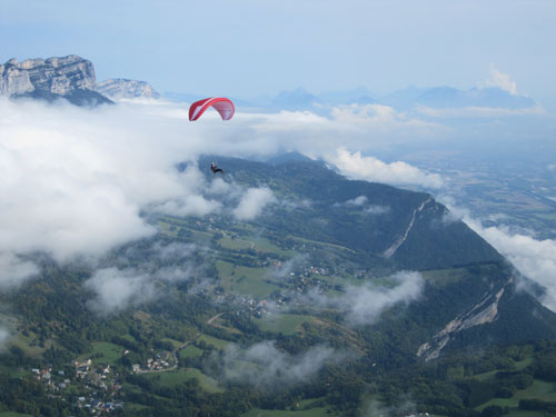 XCmag.com's webmaster Charlie King flying down from the Dent de Crolles. All photos: Ed Ewing