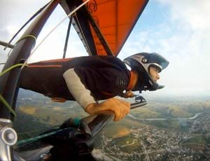 Tributes have been paid to Brazilian hang glider pilot Enio Wilson, who tragically died during the last task of his country's Nationals on 27 August