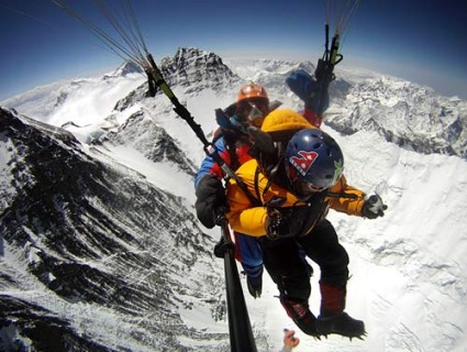 Babu Sunuwar and Lakpa Tsheri Sherpa's ultimate descent from Everest by paraglider, won them the National Georgraphic 2011 Adventurers of the Year award