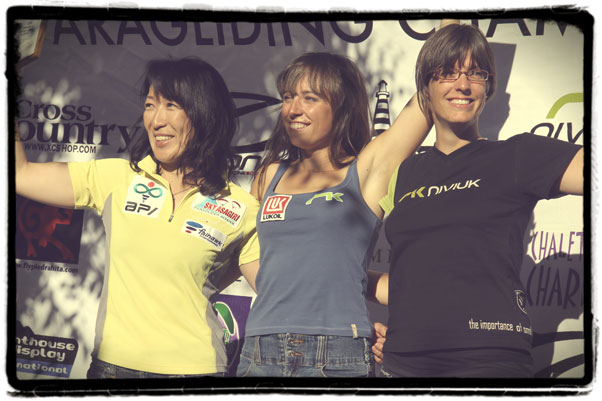 The Women's Class winners from Pedro Bernardo: Klaudia Bulgakow (centre), Keiko Hiraki (left) and Nander Walliser.