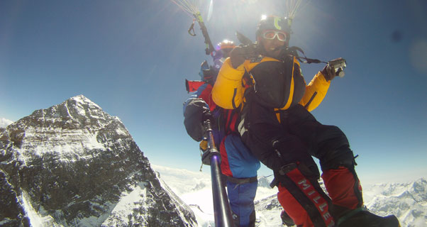 Babu Sunuwar and Lakpa Tsering Sherpa tandem paraglide from the summit of Mount Everest on 21 May 2011. Photo: Babu Sunuwar