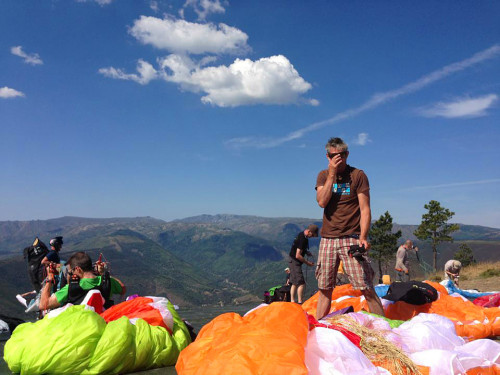 Marcus King at launch. British Paragliding Open 2013 in manteigas, Portugal