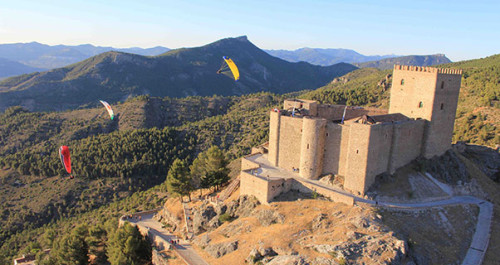 Guide to El Yelmo, Spain