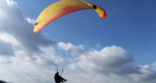Axis Pluto 3: EN B for paramotor and free flying