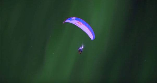 Horacio Llorens flies the Aurora Borealis