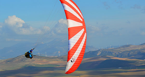 Windtech Loop 2 freestyle paraglider