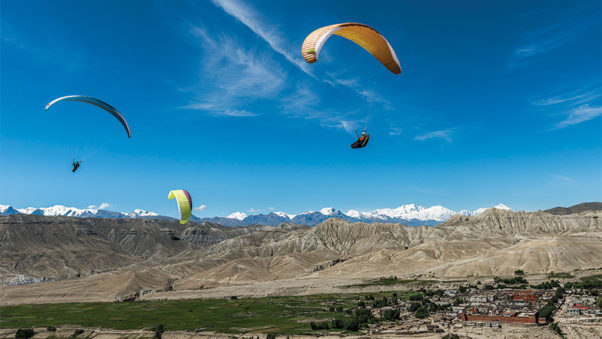 Paragliding-in-Mustang