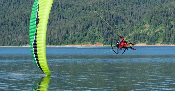 The perfect turn on a paramotor