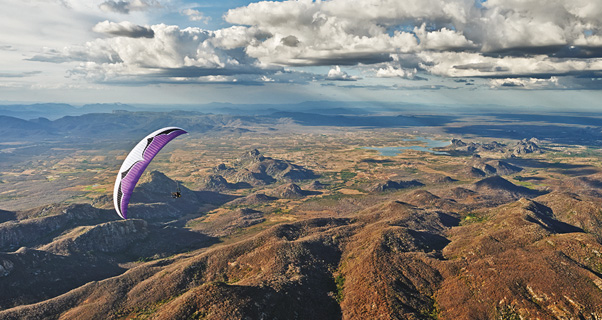 Paragliding in Quixada. Photo: Felix Woelk
