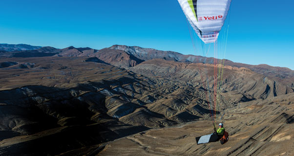Jerome Maupoint paragliding in Morocco